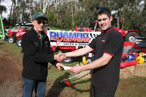 Best Presented Stand, Heavy Machinery, Darmac Ag   Sales & Service, Silvan.  Darren McIntyre with WSFD's President, Graham   Parker