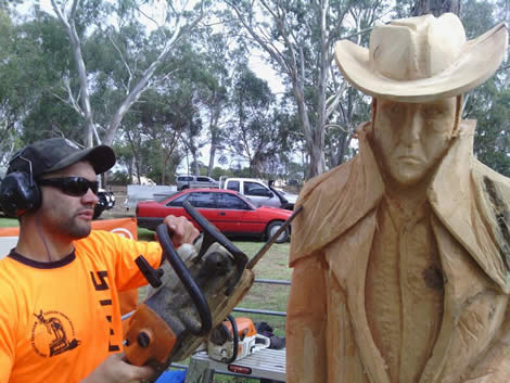 BK Carving will demonstrate chainsaw wood carving